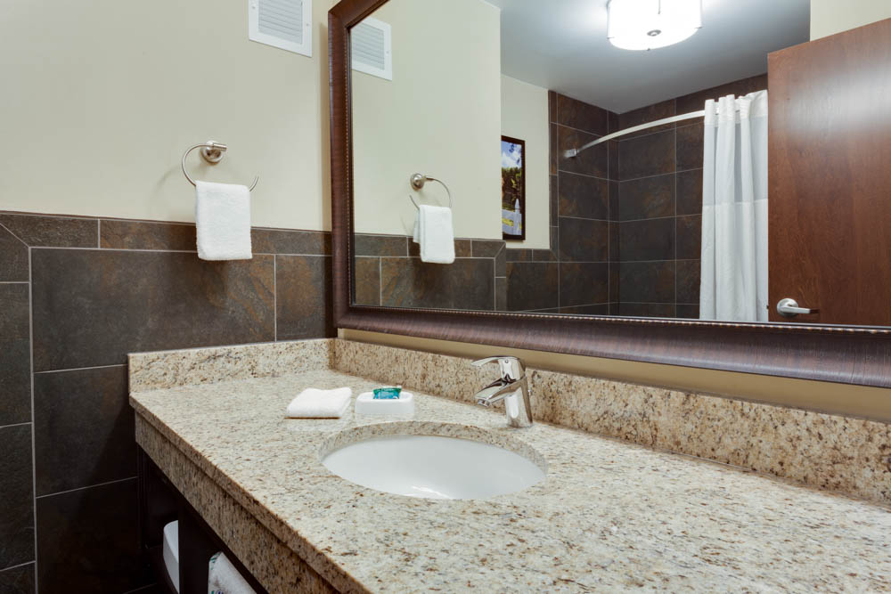 Drury Inn & Suites - Dallas Frisco - Bathroom