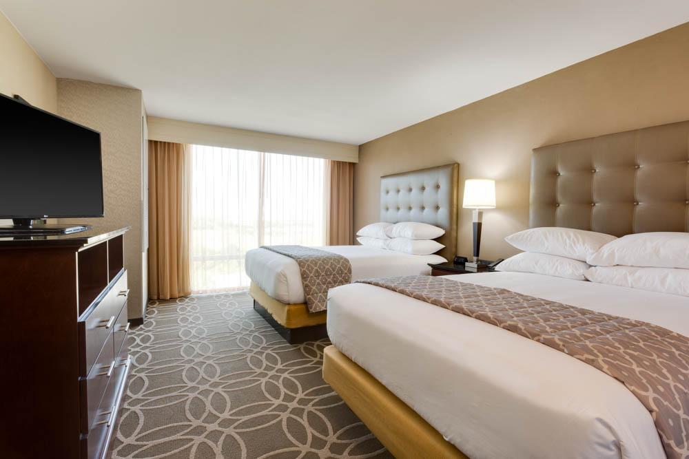 Drury Inn & Suites - Dallas Frisco - Two-room Suite Guestroom
