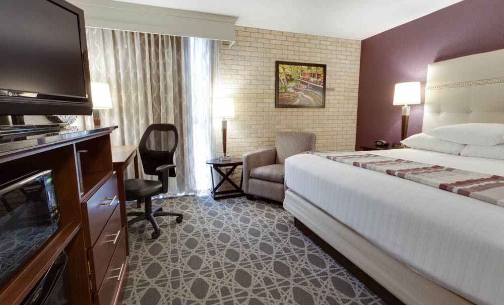 Drury Inn & Suites San Antonio Northeast - Deluxe King Room
