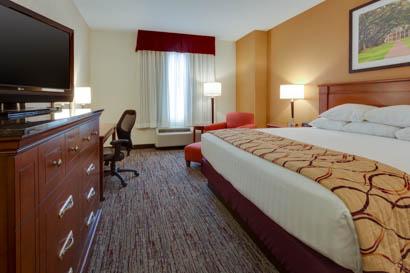 Drury Inn & Suites - Baton Rouge - Deluxe King Guestroom