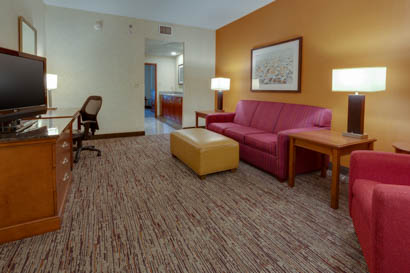 Drury Inn & Suites - Baton Rouge - Two-room Suite Guestroom