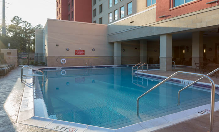 Drury Inn & Suites - Gainesville - Outdoor Pool