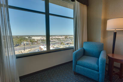 Drury Inn & Suites - Gainesville - Upper Floor Guestroom