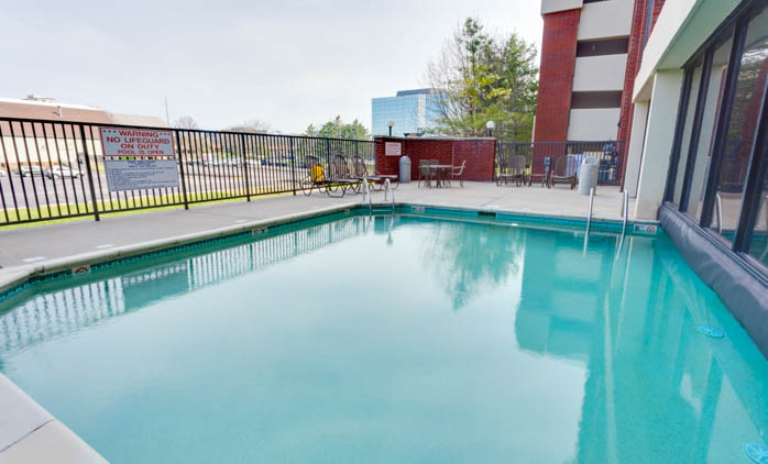Drury Inn & Suites - Kansas City Overland Park - Indoor/Outdoor Pool