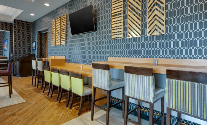 Drury Inn & Suites Pittsburgh Airport Settlers Ridge - Dining Area
