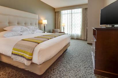 Drury Inn & Suites Pittsburgh Airport Settlers Ridge - Two-room Suite Guestroom