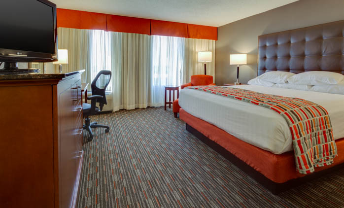 Drury Inn & Suites Memphis Southhaven - Deluxe King Guestroom