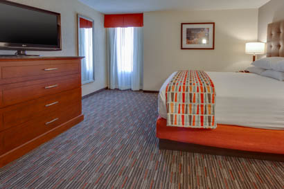 Drury Inn & Suites Memphis Southhaven - Two-room Suite Guestroom