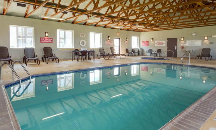Drury Inn & Suites Hayti/Caruthersville - Indoor Pool
