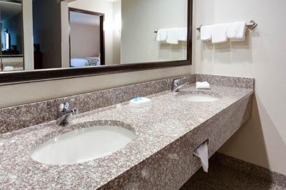 Drury Inn & Suites Nashville Airport - 24 Hour Business Center