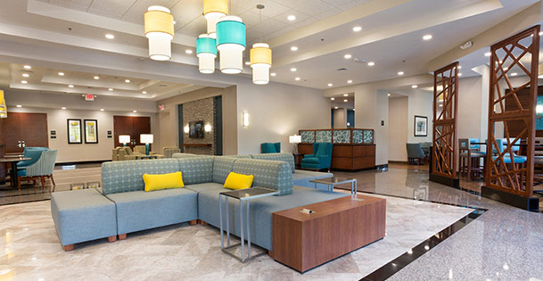 Drury Inn & Suites Grand Rapids lobby