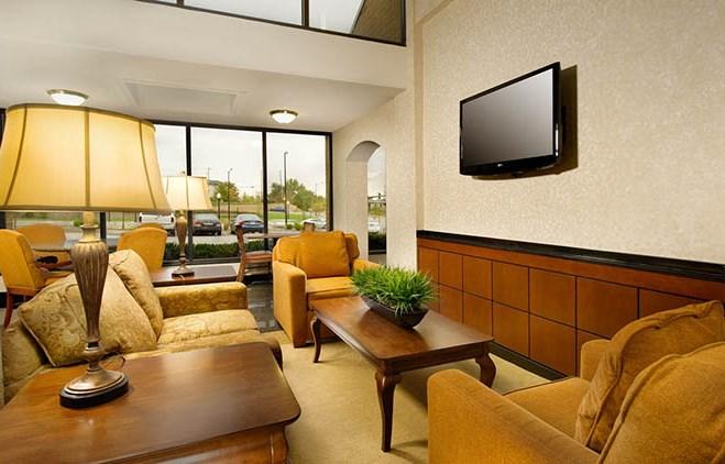 Drury Inn & Suites Westport St. Louis - Lobby
