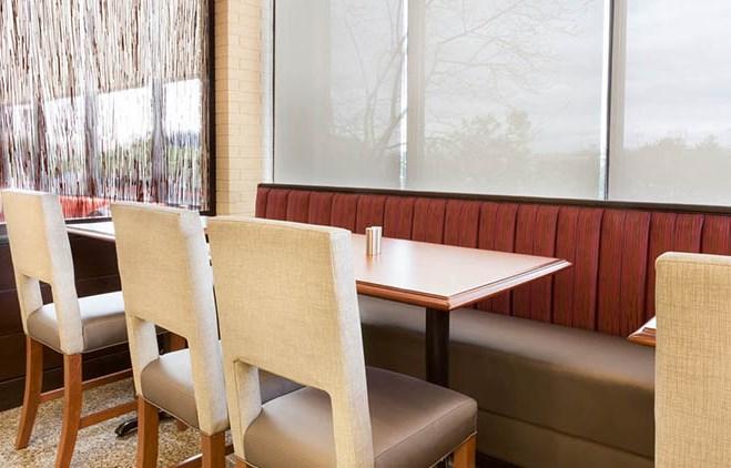 Drury Inn & Suites St. Louis Airport Dining Room