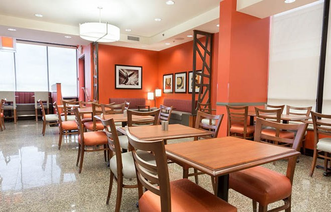 Drury Inn & Suites St. Louis Airport Dining Area