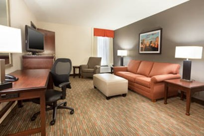 Drury Inn & Suites St. Louis Airport Queen Room