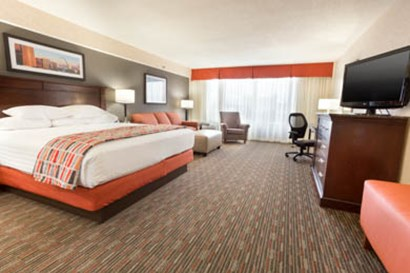 Drury Inn & Suites St. Louis Airport King Room