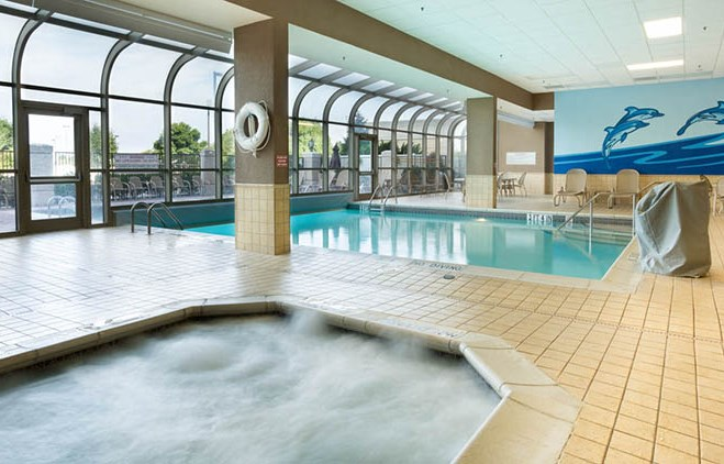 Drury Plaza Hotel Chesterfield - Indoor/Outdoor Pool