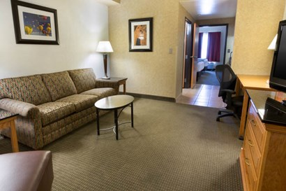 Drury Inn & Suites - Albuquerque - Two-room Suite Guestroom