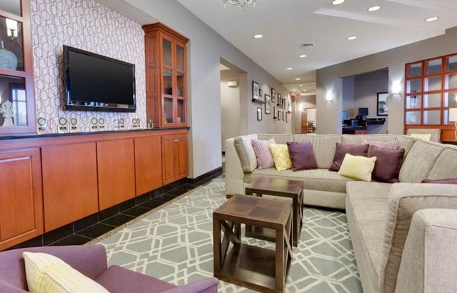 Drury Inn & Suites Middletown Franklin - Lobby