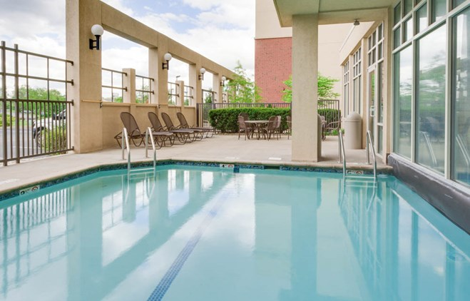 Drury Inn & Suites Middletown Franklin - Indoor/Outdoor Pool