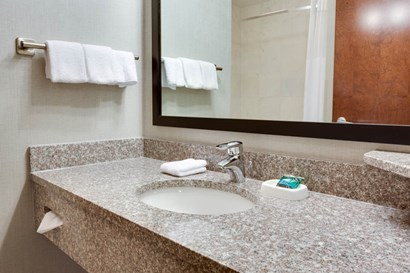 Drury Inn & Suites Middletown Franklin - Bathroom