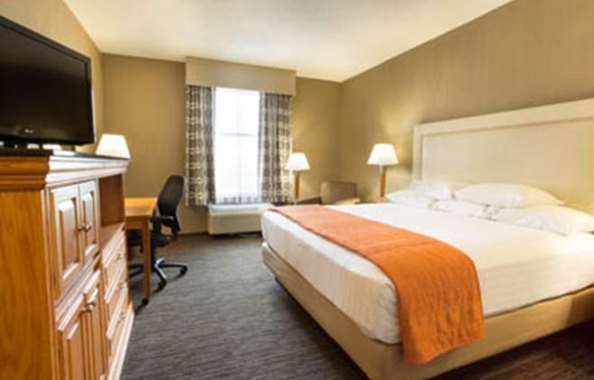 Drury Inn & Suites San Antonio North Stone Oak - Drury Hotels