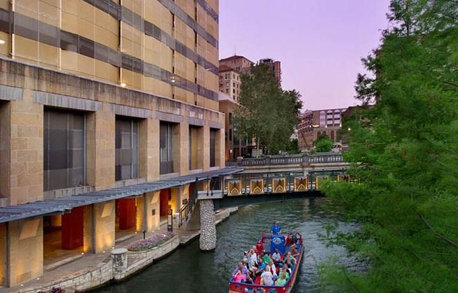 Drury Plaza Hotel San Antonio Riverwalk - Drury Hotels