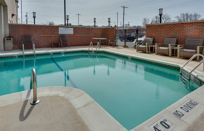 Drury Inn & Suites St  Louis Forest Park - Drury Hotels