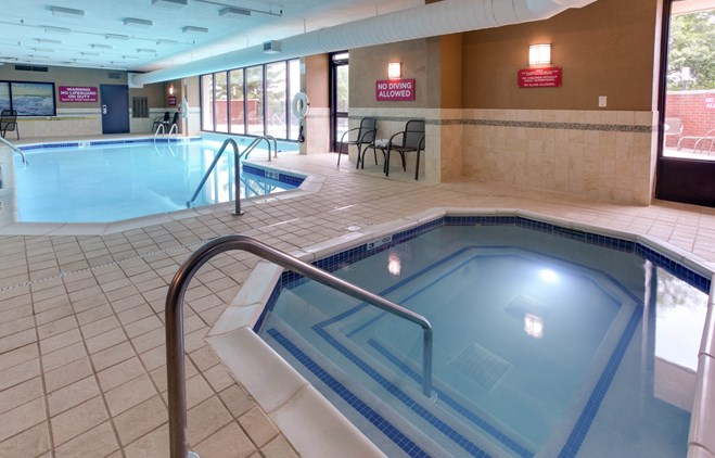 Drury Inn & Suites Nashville Airport - Indoor/Outdoor Pool