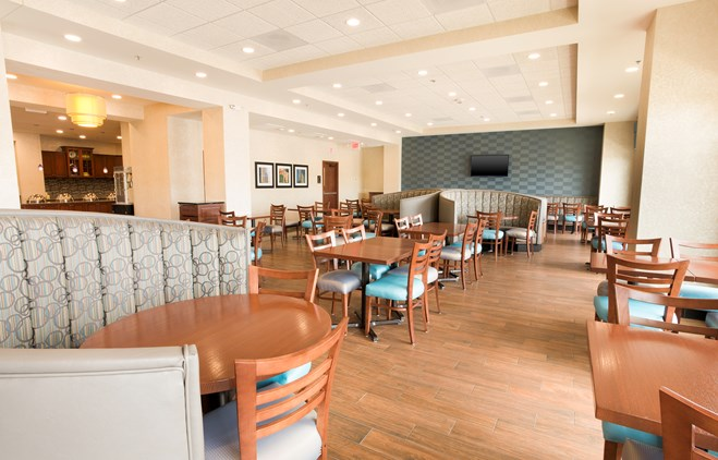 Drury Inn & Suites St. Louis Brentwood - Dining Area