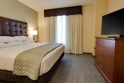 Drury Plaza Hotel St. Louis St. Charles - Two-room Suite Guestroom