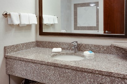 Drury Inn & Suites West Des Moines - Bathroom