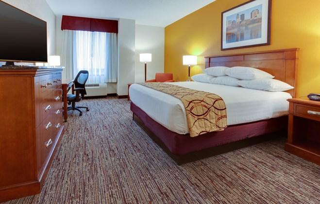 Drury Inn & Suites West Des Moines - Drury Hotels