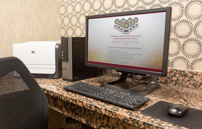 Drury Inn & Suites Flagstaff - 24 Hour Business Center