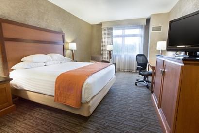 Drury Inn & Suites Flagstaff - Deluxe King Guestroom
