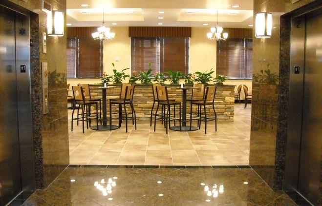 Drury Inn & Suites Phoenix Happy Valley - Dining Area