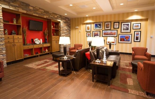 Drury Inn & Suites Phoenix Happy Valley - Lobby