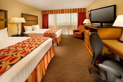 Drury Inn & Suites Phoenix Airport - Deluxe Queen Guestroom