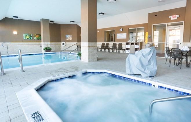 Drury Inn & Suites Phoenix Tempe - Indoor/Outdoor Pool