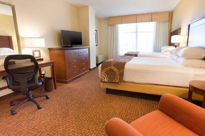 Drury Inn & Suites Phoenix Tempe - Deluxe Queen Guestroom