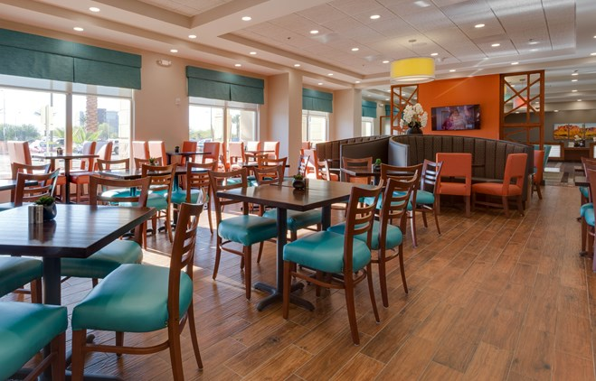 Drury Inn & Suites Phoenix Chandler - Dining Area