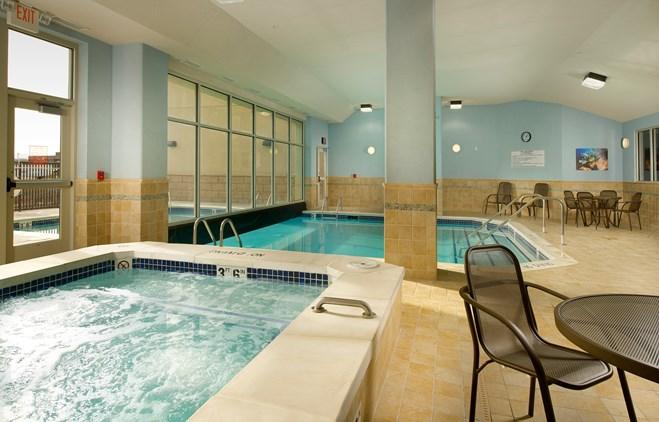 Drury Inn & Suites Denver Westminster - Indoor/Outdoor Pool