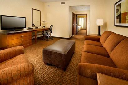 Drury Inn & Suites Denver Westminster - Two-room Suite Guestroom