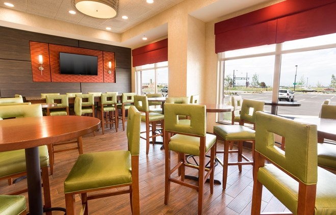 Drury Inn & Suites Denver Stapleton - Dining Area