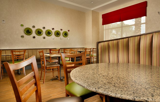 Drury Inn & Suites Orlando - Dining Area