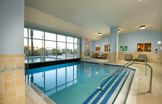 Drury Inn & Suites near Universal Orlando Resort™ - Indoor/Outdoor Pool