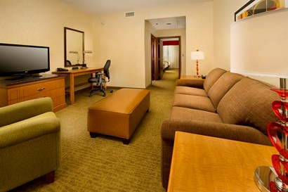 Drury Inn & Suites near Universal Orlando Resort™ - Two-room Suite Guestroom
