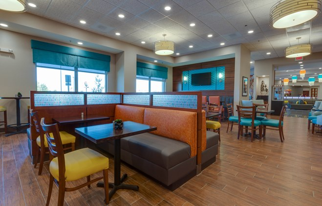 Drury Inn & Suites Gainesville - Dining Area