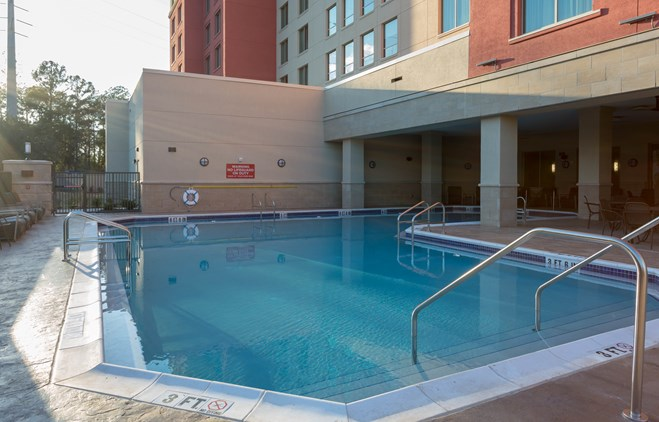 Drury Inn & Suites Gainesville - Outdoor Pool