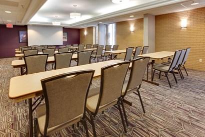 Drury Inn & Suites Louisville East - Meeting Space